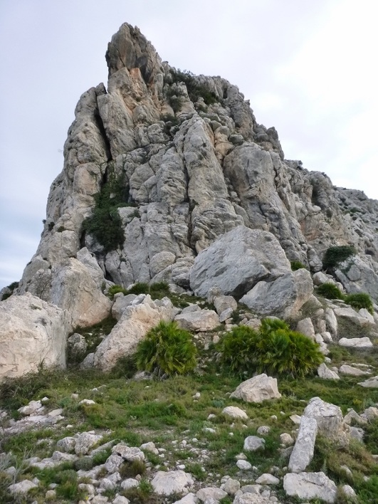 Penyo Roig on the Cavall Verd and Serra del Penyal mountain walk, Costa Blanca